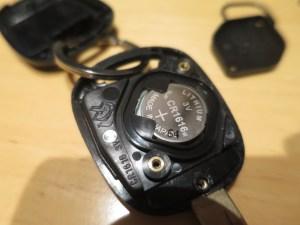 AZR60ノアのキー電池交換