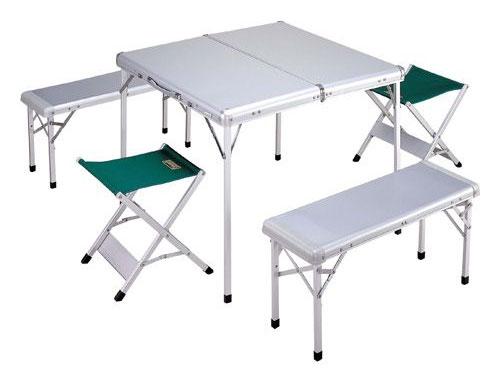 コンパクトなテーブルセット