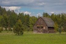 Homestead Barn - Dover Bay Idaho