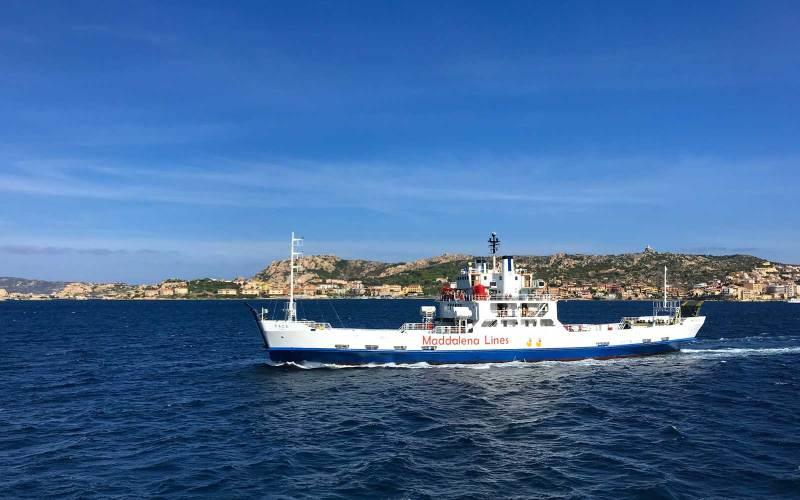 Traghetto la Maddalena