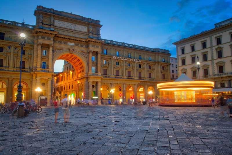 Visit Florence Piazza della Repubblica
