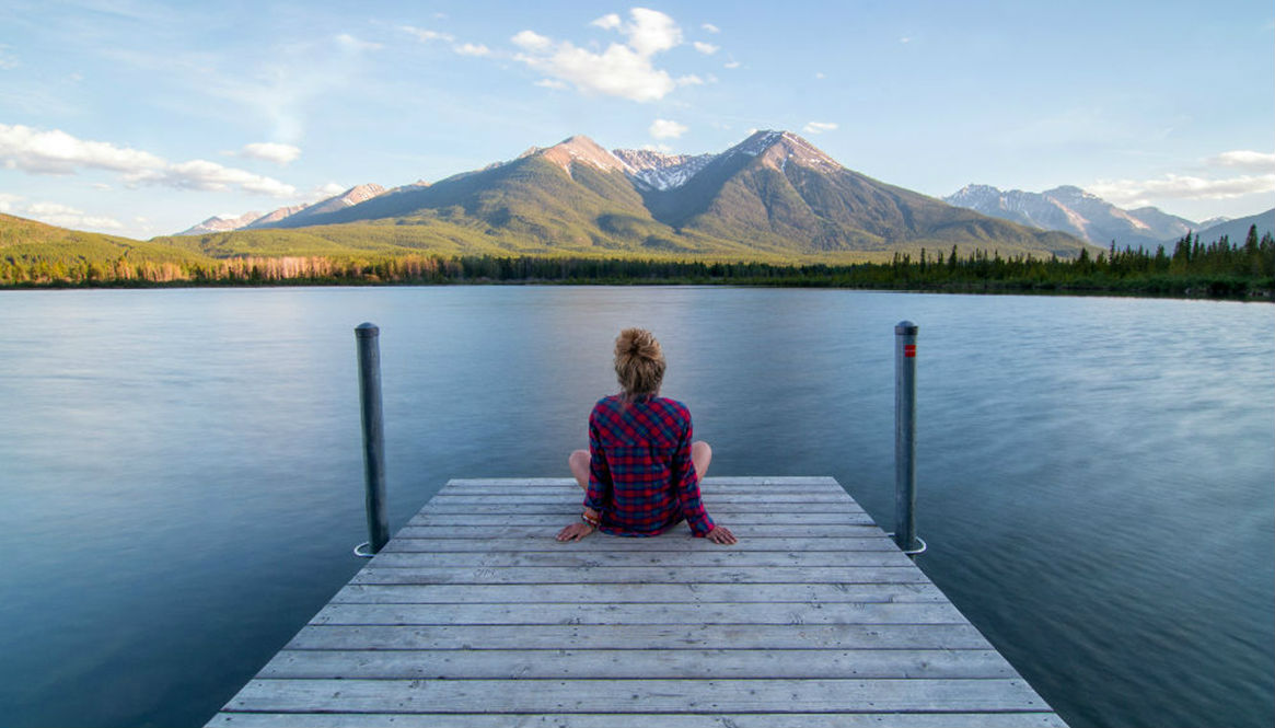 girl lake 1165 x 665