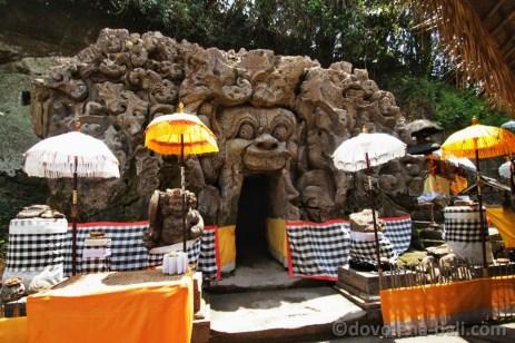 Goa Gajah vstup do jeskyně