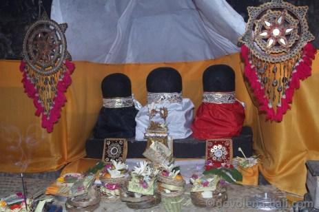 Goa Gajah - falické symboly bohů