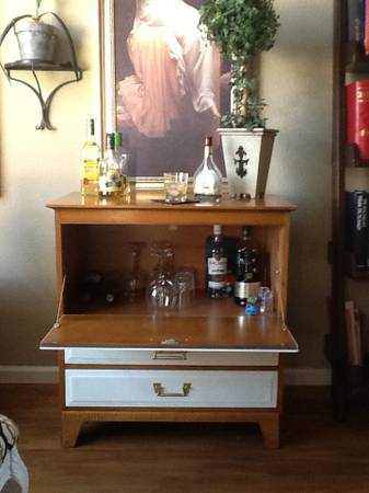 craigslist sacramento sofa table living room ideas with brown leather finds say yes events find