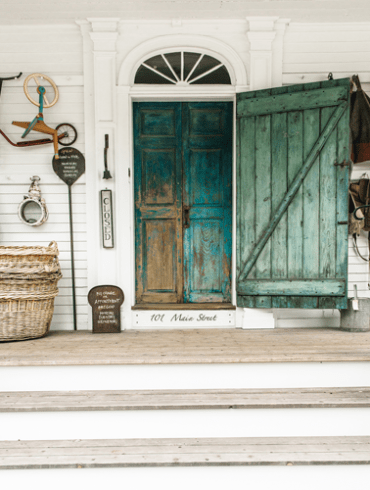 Maine Antiques Guide