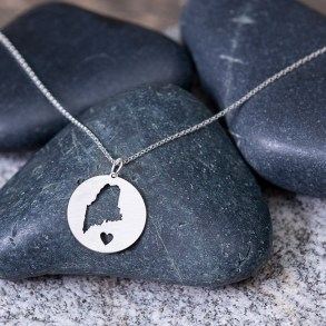 Maine circle necklace