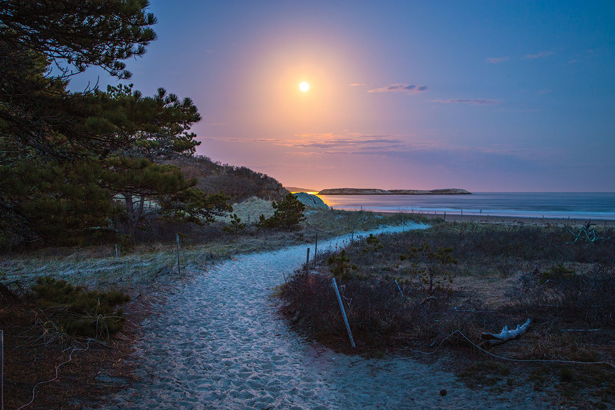 trail to Phippsburg's secluded Seawall Beach