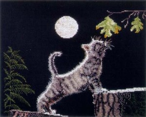 Cross stitch pattern with FREE download instantly in PDF file, to embroider a cat under the full moon