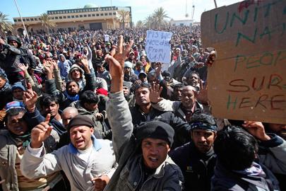 Thousands Restless to Leave Libya Swarm Tunisian Border