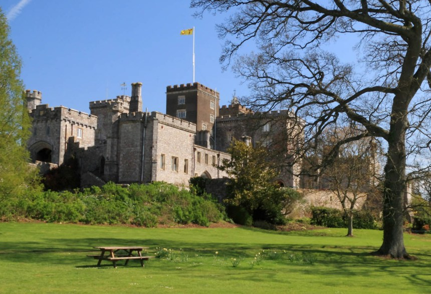 Powderham_Castle,_Sml