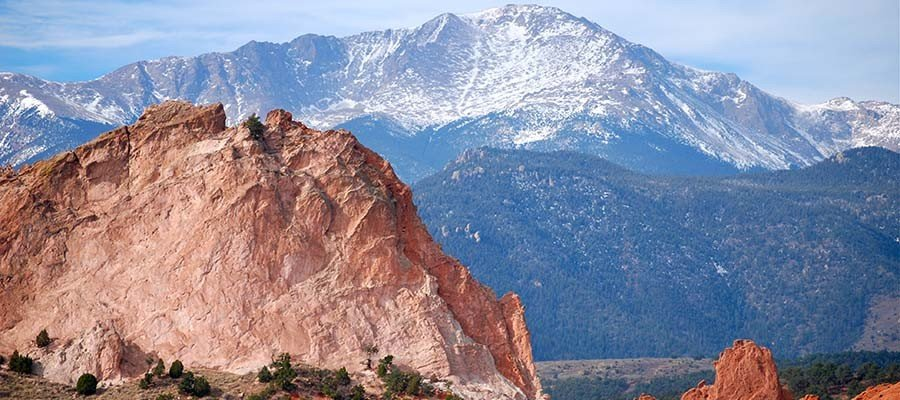 pikes_peak_mountains_900x400