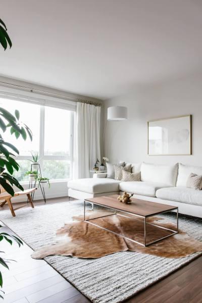minimalist living room interior Designing my Modern and Minimalist Living Room with Havenly | Downshiftology