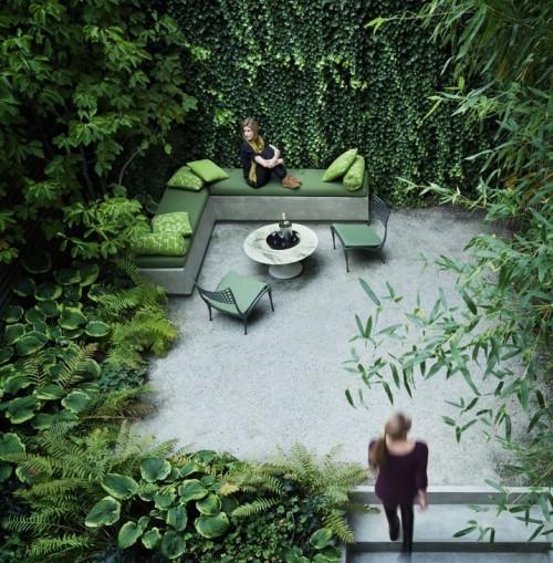 small urban garden with lots of green2 e1310416267283 Urban Gardens Galore