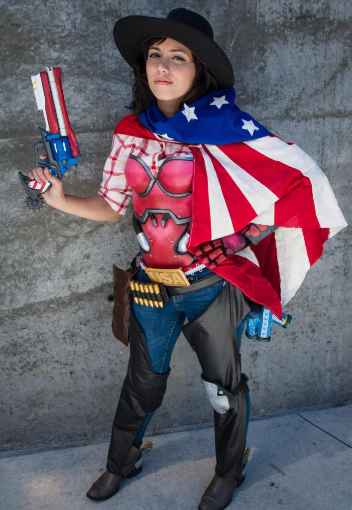 overwatch cosplay at fanimecon