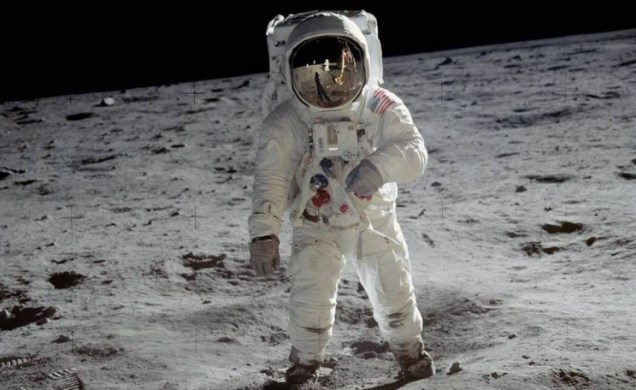 moon-landing-1_resize_md