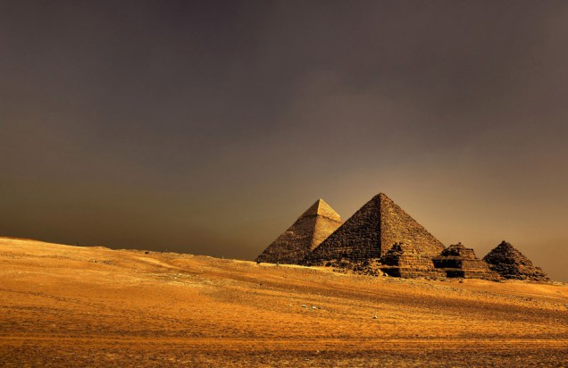 the-great-pyramids-of-ancient-egypt.jpg