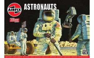 Spanning the Apollo missions to the Moon, this 59 part set includes action figures of U.S. Astronauts and the equipment they used, including the famous Moon Buggy which was used to transport them on the Moon's surface.