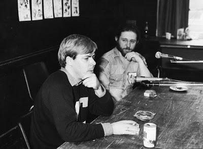 Martin Skidmore interviews Dave Sim. Photo: Frank Plowright, via Martin Hand
