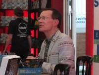 Stripped 2013: Paul Gravett Signing