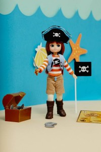 Pirate Lottie demonstrates this is a female doll that can stand on her own two feet with ease. Image © Arklu