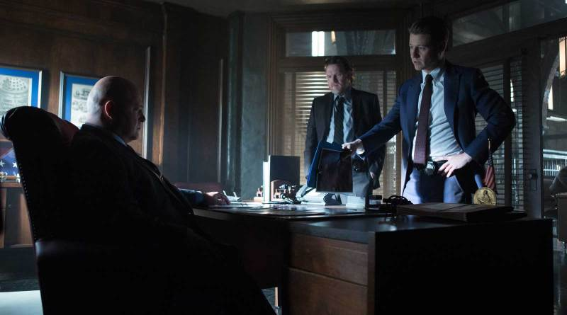 Michael Chiklis as Nathaniel Barnes, Donal Logue as Detective Harvey Bullock and Ben McKenzie as Detective James Gordon in Gotham.