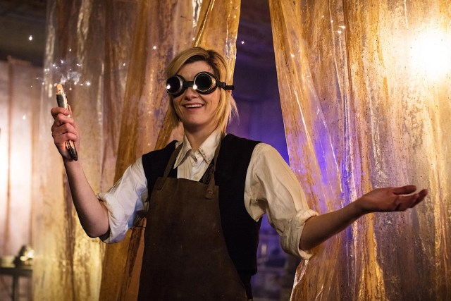 The Doctor (Jodie Whittaker) makes her new Sonic Screwdriver - © BBC/BBC Studios - Photographer: Sophie Mutevilian