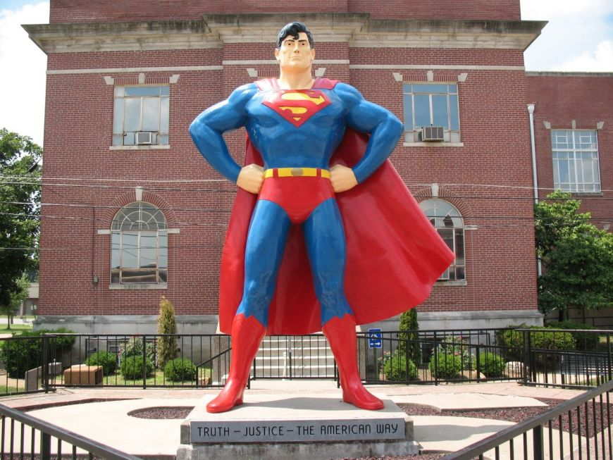 The Superman statue, Metropolis, Illinois. Photo: Metropolis Super Museum