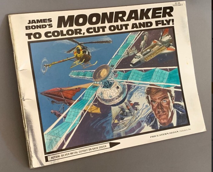 """A very rare """"James Bond's Moonraker to Color, Cut Out and Fly"""" booklet by Price/Stern/Sloan Publishers Inc. Los Angeles 1979"""