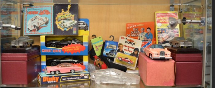 A mixed lot which includes; Lady Penelope's Fab 1 diecast model, Kit from Knight Rider, Fab 1 on plinth etc.