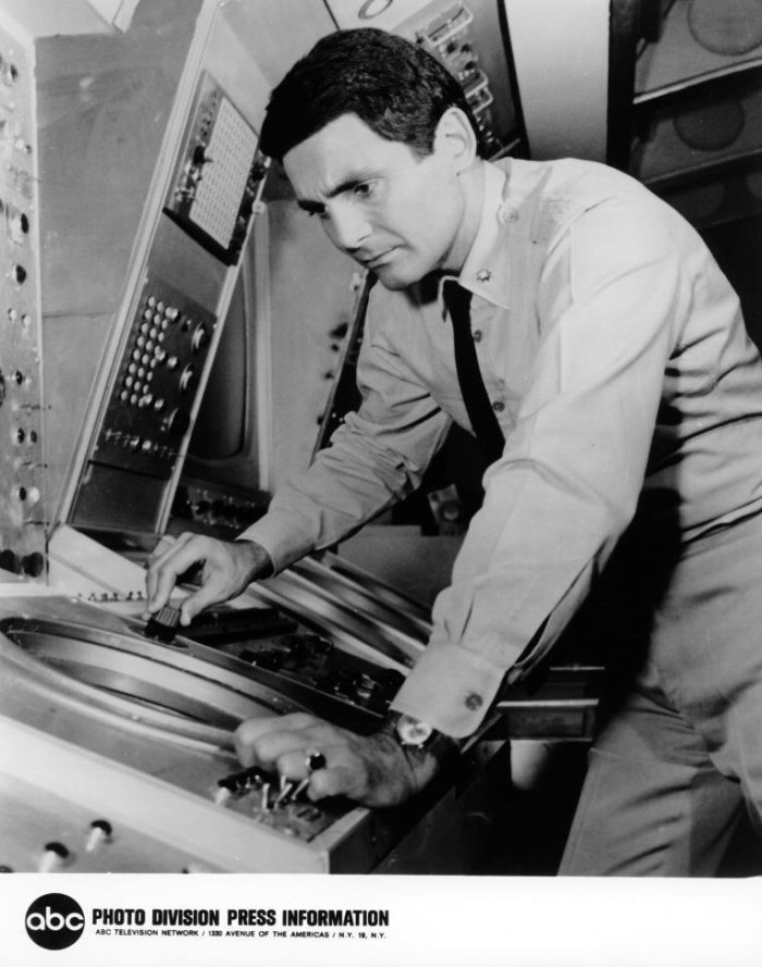 ABC press kit photo promoting David Hedison in Voyage to The Bottom of The Sea