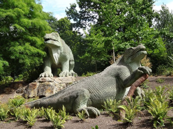 Dinosaurs in Crystal Palace Park. Photo: Ian Wright | Creative Commons