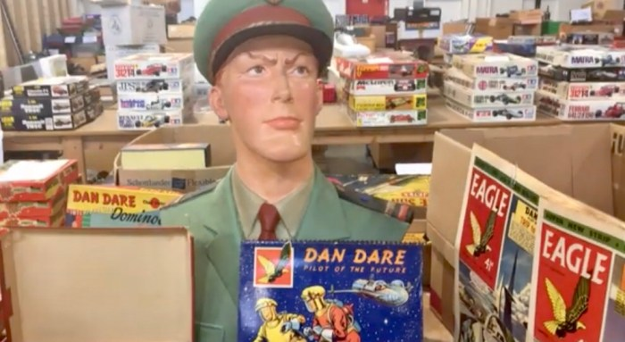 Dan Dare bust and other Eagle items from the Vectis Chris Freeman Meccano & Vintage Toy Collection Auction