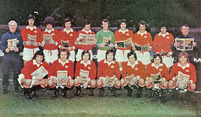 Tommy Docherty's Manchester United squad, all with their copies of Tiger