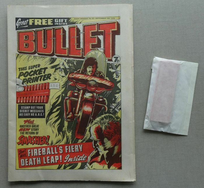 """Bullet No.32, cover dated 18th September 1976, with free """"Pocket Printer"""" gift"""