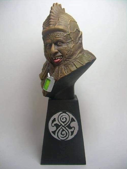 """Doctor Who sculpts by Neil """"Blackbird"""" Sims - Sil"""