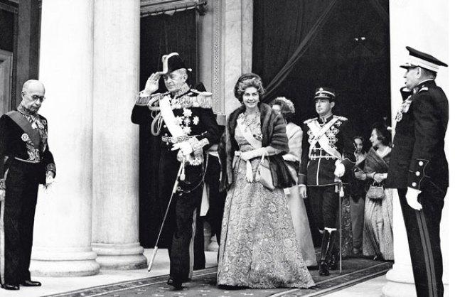 Στο φως άγνωστες λεπτομέρειες από τη ζωή της αμφιλεγόμενης βασίλισσας Φρειδερίκης - Downtown.gr