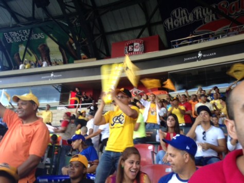 Aguilas fans cheer for Manny Ramirez