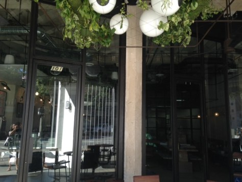 Outside Seating at Verve 833 Spring Street