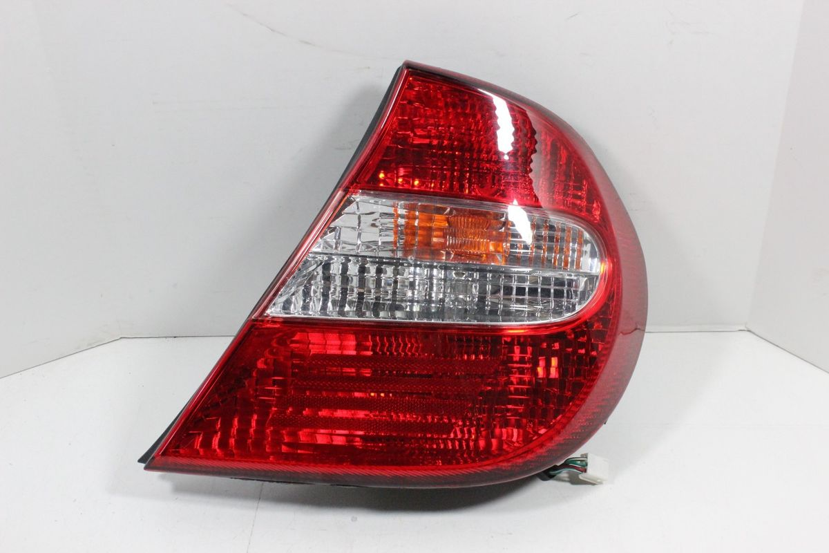 hight resolution of 2002 2003 2004 toyota camry rh right passenger side outer tail light