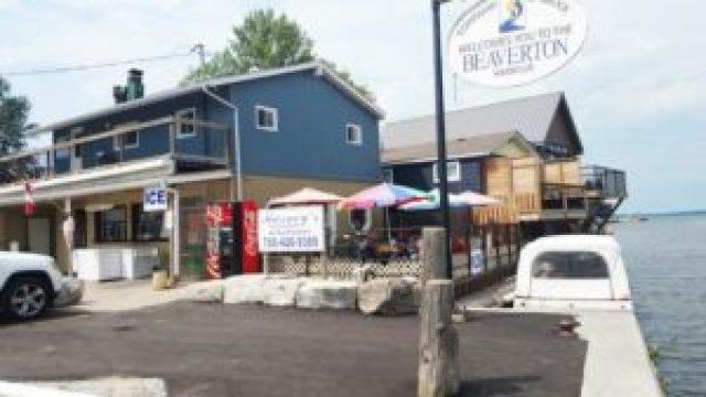 Barney's restaurant patio in downtown Beaverton.