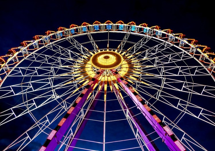 A picture of a Ferris wheel