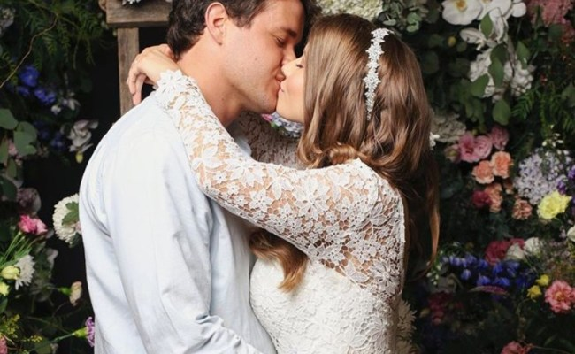 Bindi Irwin Has Officially Married Chandler Powell At