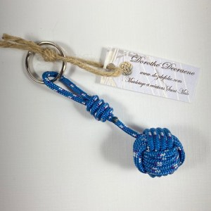 Porte Clés Pomme de touline Bleue