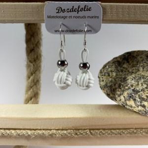 Boucles d'oreilles pomme de touline Coton blanc