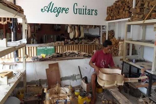 Alegre Gitaar fabriek - Mactan Island, Central Visayas, Filipijnen