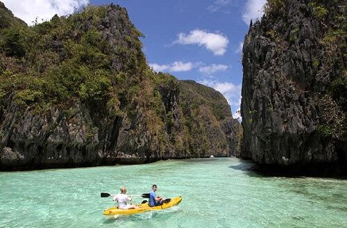 Kajakken in de Big Lagoon - Bacuit Bay El Nido, Palawan, Filipijnen