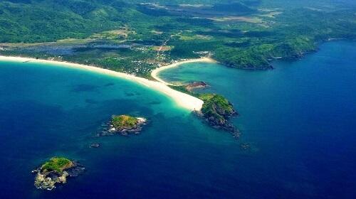 Luchtfoto Twin Beach, Nacpan & Calitang - El Nido, Palawan, Filipijnen