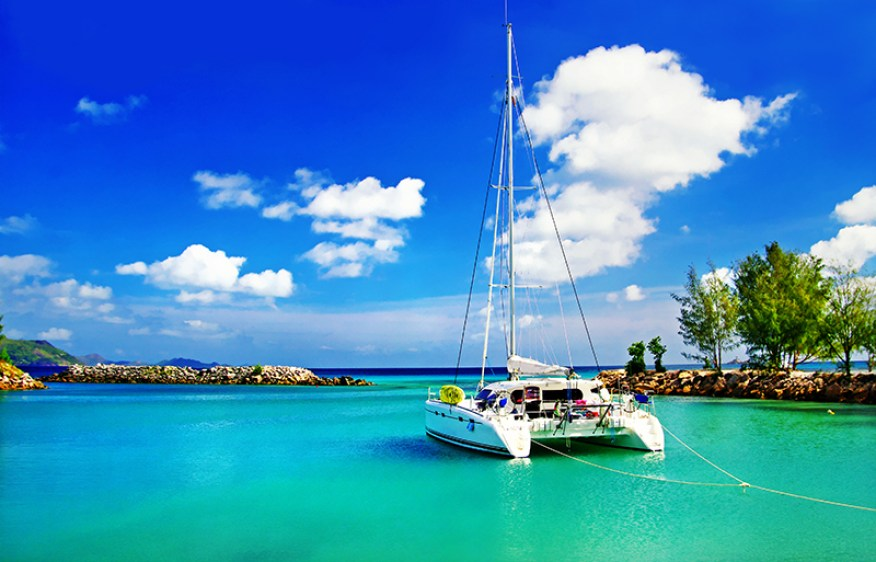 Honeymoon in Mauritius - Catamaran Cruise