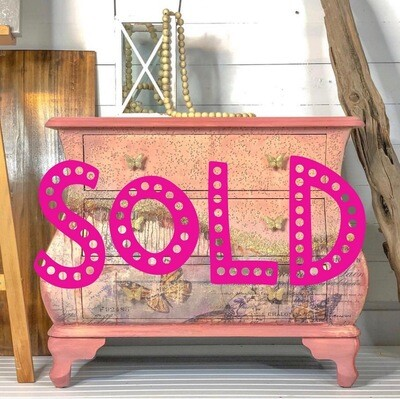 [SOLD] Butterfly Bombe Chest